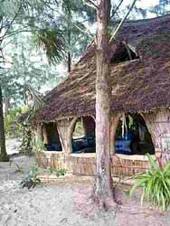Che shale beach resort best of kenya - Robinson crusoe style ...